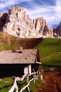 Die Fritzhütte mit Langkofel